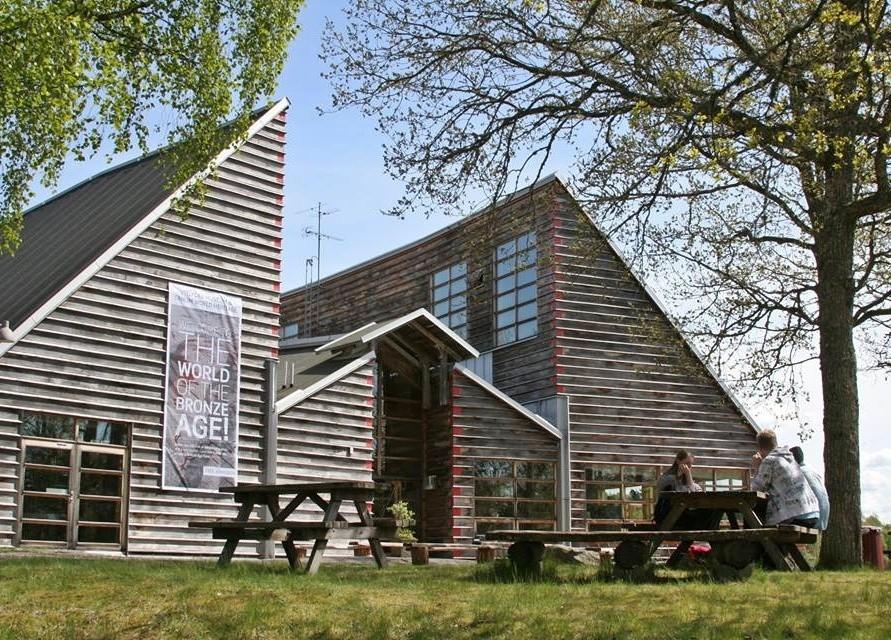 Vitlycke Museum Tanumshede 91KM · • Välkommen till Bronsåldern! 0dd743c30b8db
