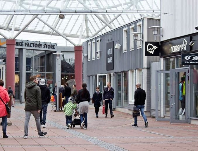 Hede fashion outlet for Fashion outlet
